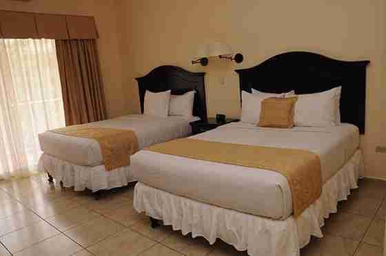 Tela - La Ensenada Beach Resort