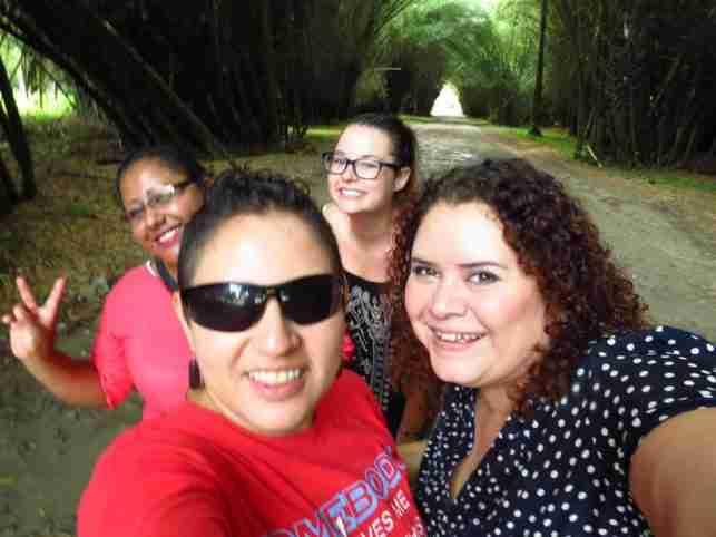 Flo y sus amigas en Lancetilla