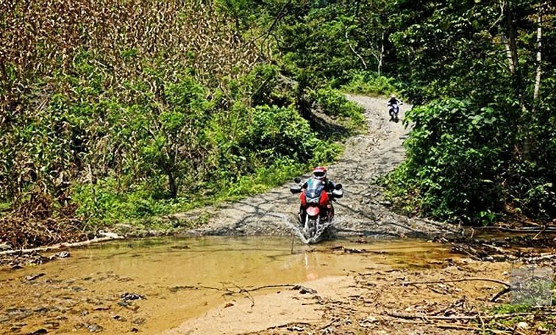Tour de moto cross en Tela