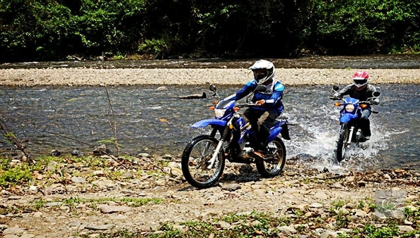 Tour de moto cross en Tela
